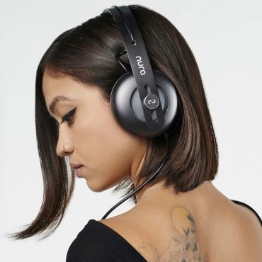 Nura te quiere rentar audífonos gama alta por 10 dólares al mes